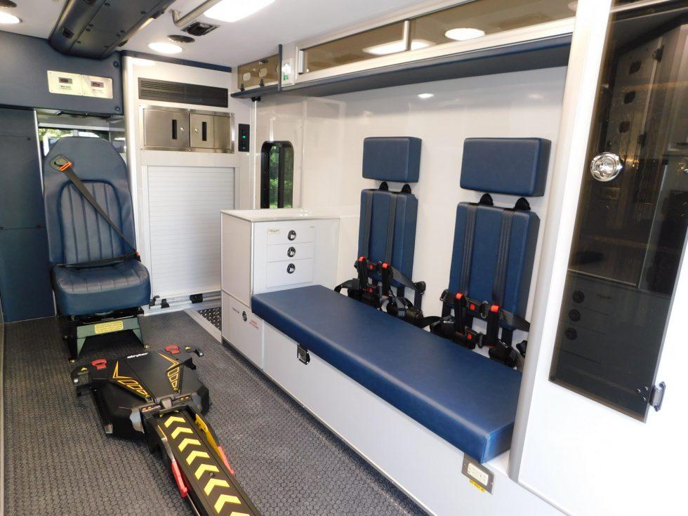 PL Titan ambulance on IHC 4300