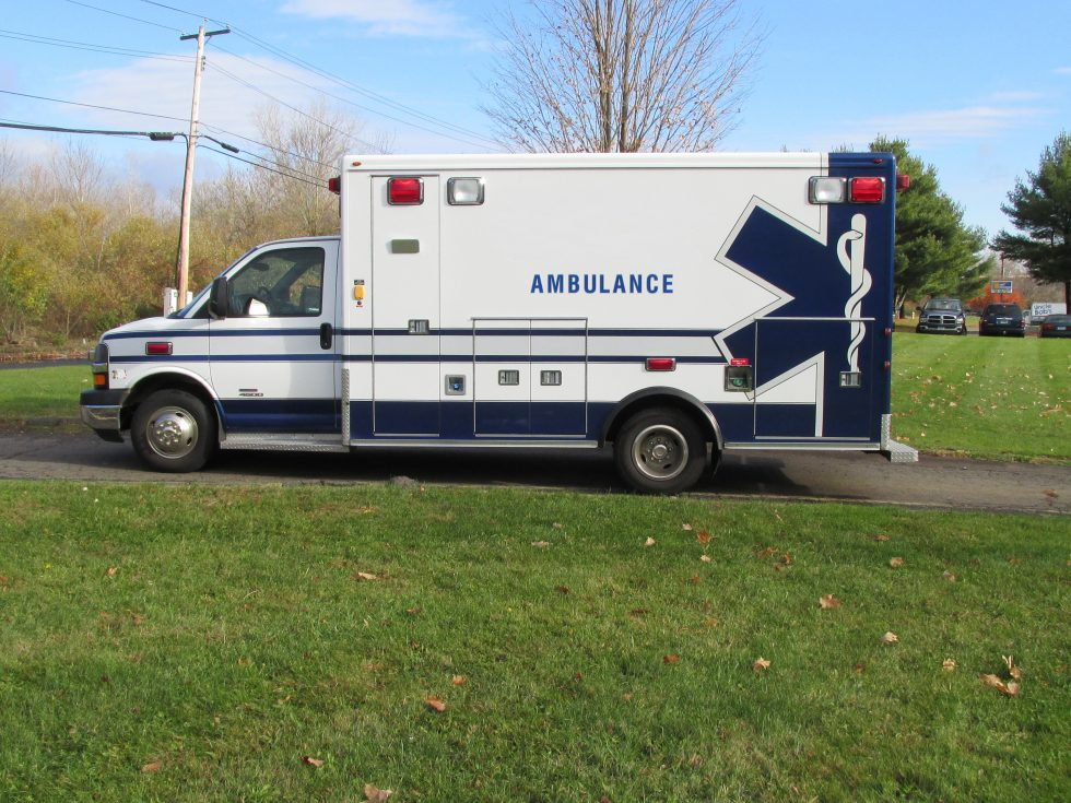 2011 Chevy G4500 ambulance