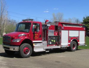 Top mount pumper on a Freightliner Chassis