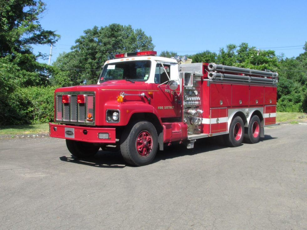 2500 Gallon Tanker on IHC Chassis